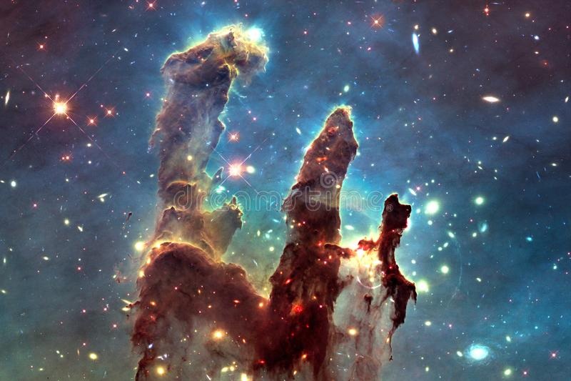 宇宙风景,与不尽的外层空间的五颜六色的科幻墙纸 库存照片