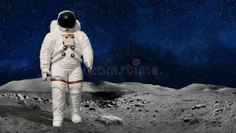 宇航员或宇航员宇宙身分的月亮或行星表面上 美国航空航天局亲切地提供的图象的元素 库存照片
