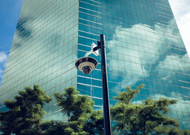 安全在办公楼的CCTV照相机 免版税库存照片