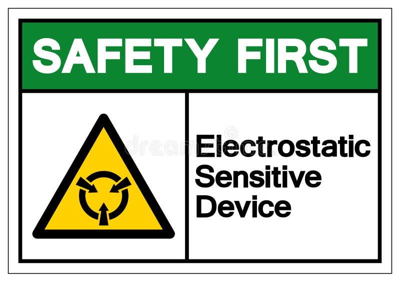 安全第一静电敏感设备ESD标志标志,传染媒介例证,在白色背景标签的孤立 EPS10 向量例证