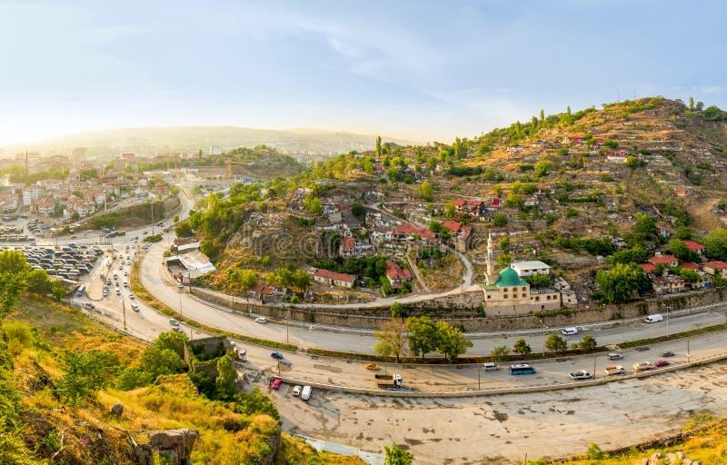 安卡拉/土耳其6月16日2019年:从安卡拉城堡的Bentderesi邻里 免版税库存照片