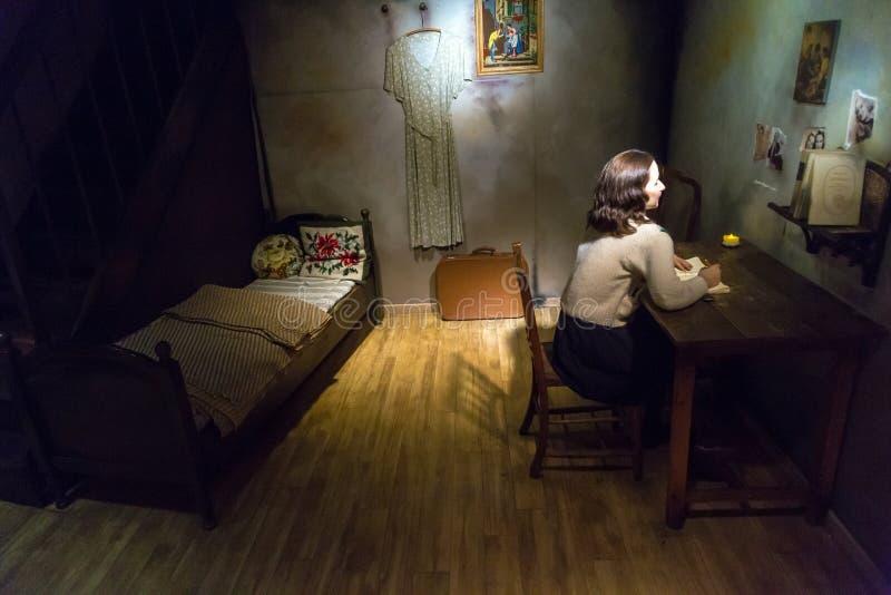 安妮・弗兰克在杜莎夫人蜡象馆的蜡雕塑 免版税图库摄影
