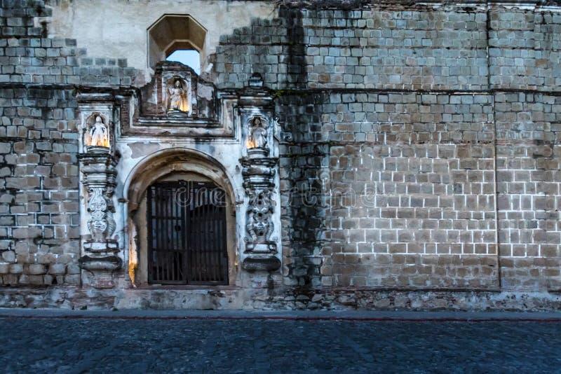 安提瓜岛,危地马拉的街道 免版税库存照片