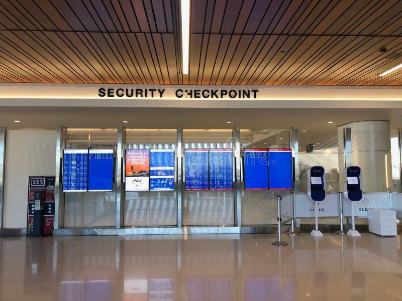安检检验站在天空港口机场 库存照片