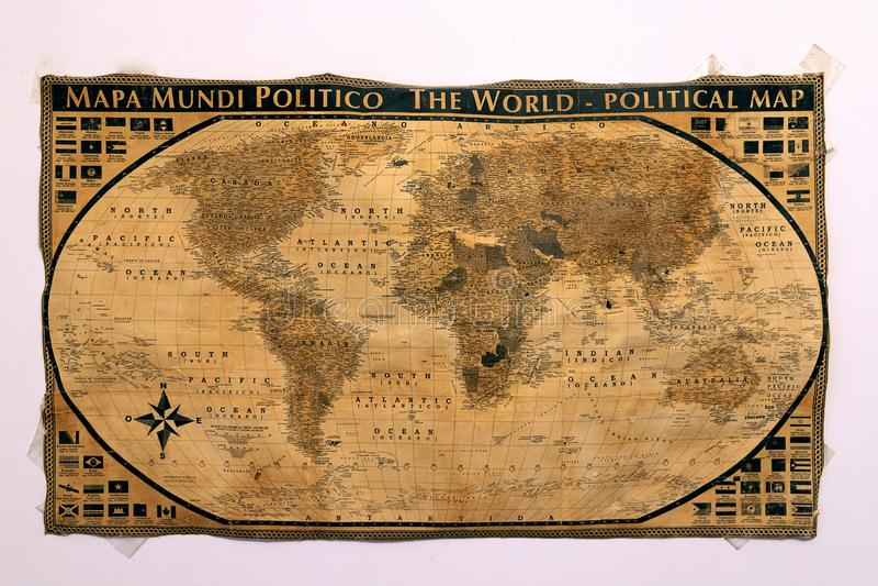 安置了古老世界的航海的地图在中世纪的 免版税库存照片
