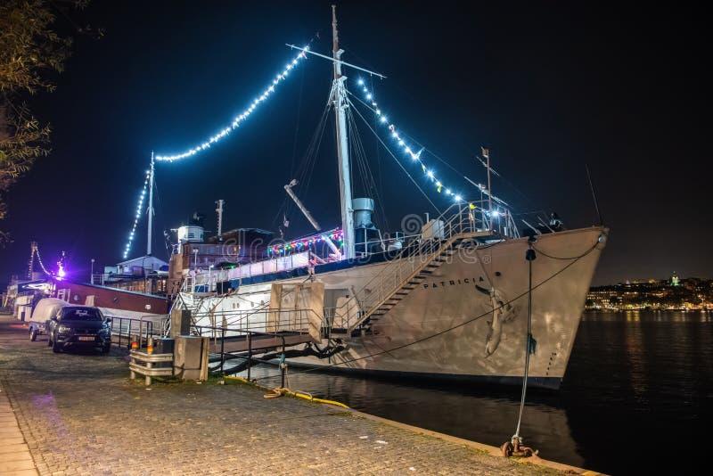 安置帕特里夏夫人餐馆和酒吧的Ormer皇家游艇在斯德哥尔摩,瑞典 免版税库存图片