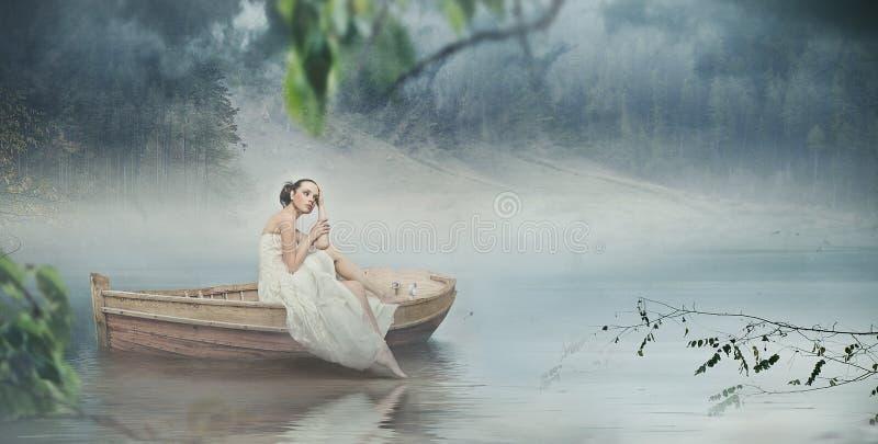 安置浪漫白人妇女 免版税库存图片