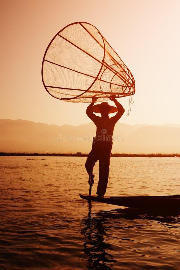 安置鱼陷井的地方渔夫在Inle湖,缅甸 免版税库存照片