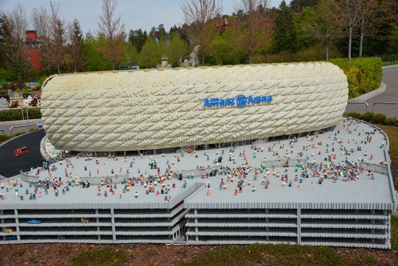 安联球场是一个橄榄球场在慕尼黑,从塑料lego块 免版税库存照片