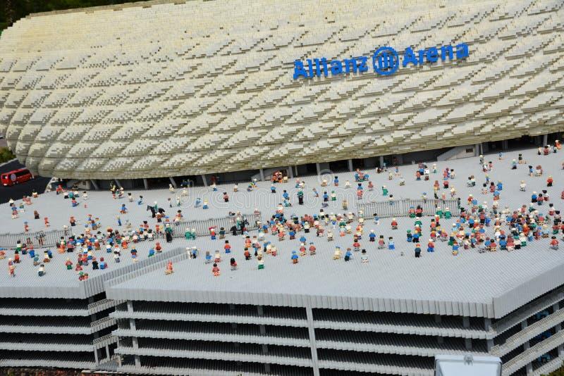 安联球场是一个橄榄球场在从塑料lego块的Munichmade 库存图片
