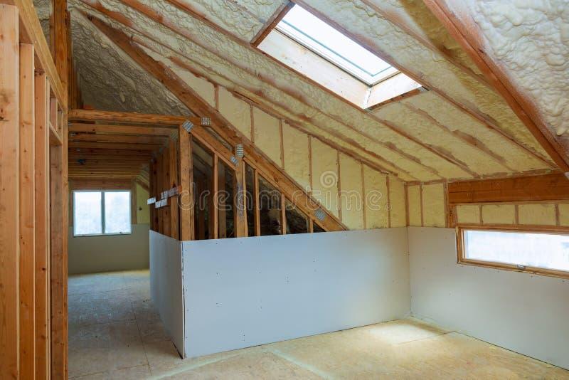 安装在顶楼的termal绝缘材料 库存图片