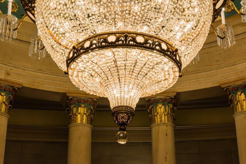 安装地下土窖枝形吊灯建筑学的美国国会大厦 库存照片