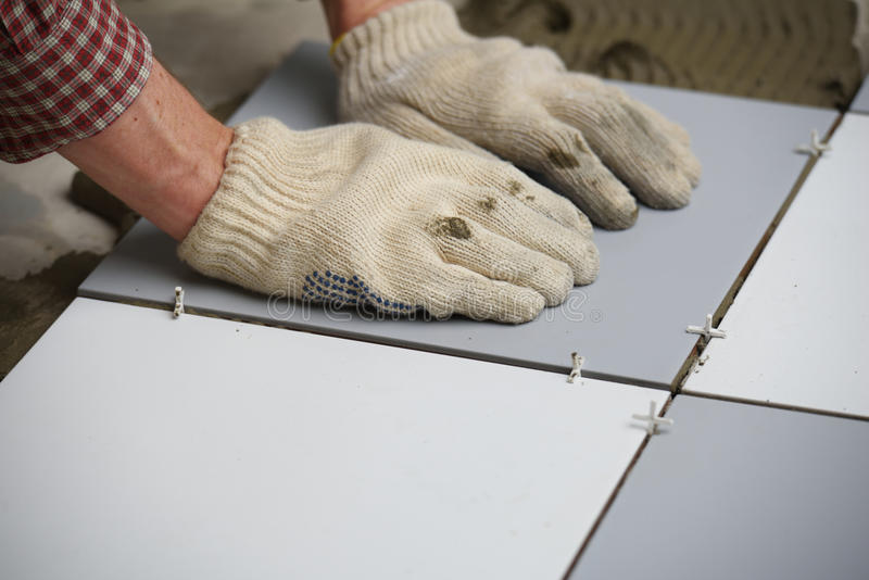 安装瓦片的陶瓷楼层 库存图片