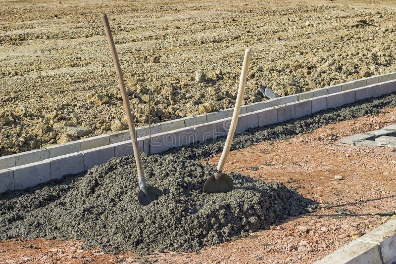 安装风暴排水设备天沟形式 库存图片
