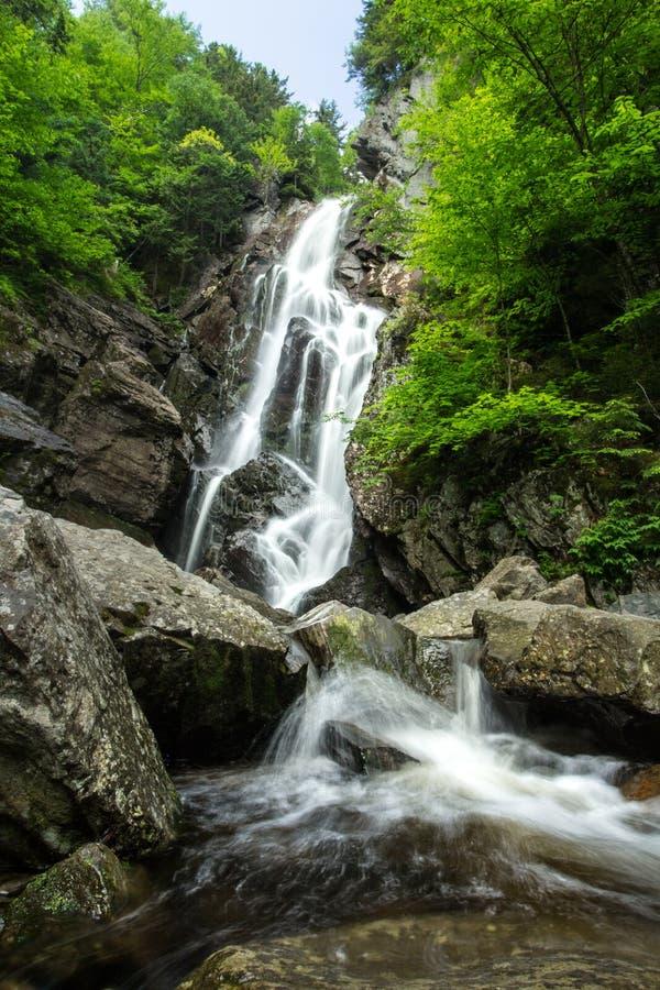 安赫尔瀑布在缅因 库存照片