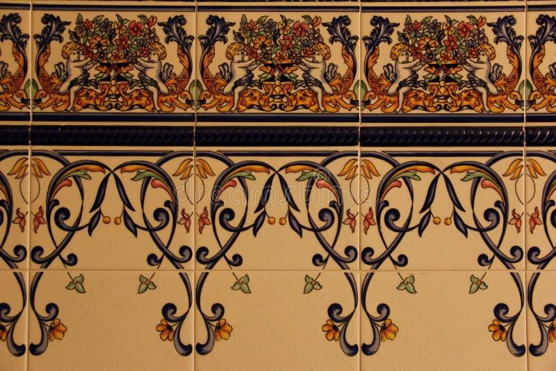 安达卢西亚的装饰瓦片行  库存照片