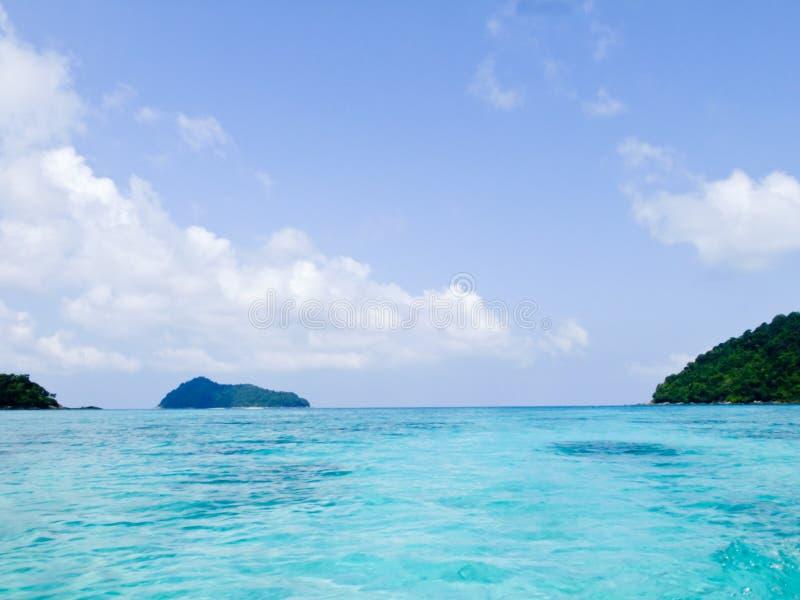 Download 安达曼海透明的大海和蓝天在素林海岸公园在Phangang泰国 库存照片 - 图片 包括有 放松, 田园诗: 30329626