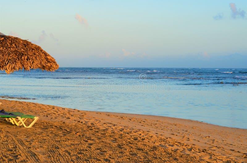 安静的海滩早晨 免版税库存照片