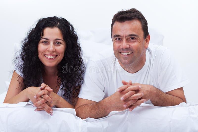 完全愉快的夫妇 免版税库存照片