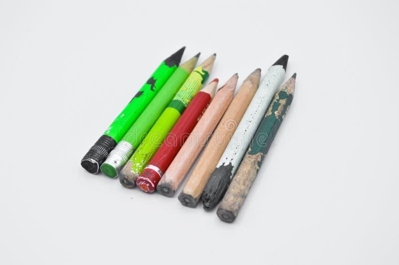 完成和使用的老颜色铅笔 库存图片