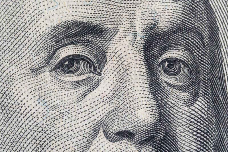 宏观关闭美国100美金 极端宏指令 本杰明・富兰克林眼睛如被描述在票据 库存照片