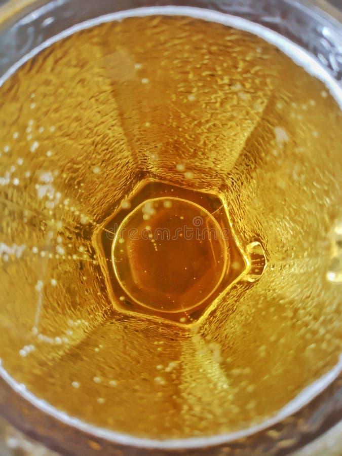 宏观啤酒杯 免版税库存照片