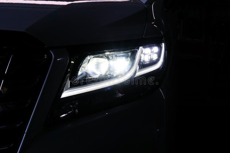 宏观看法现代黑汽车氙气灯车灯12 免版税库存照片