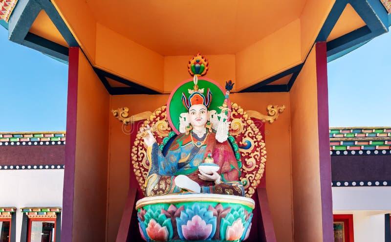 宗师在Chagdud Gonpa Khadro石楠佛教寺庙-特雷斯Coroas,南里奥格兰德州,巴西的仁波切雕象 库存照片