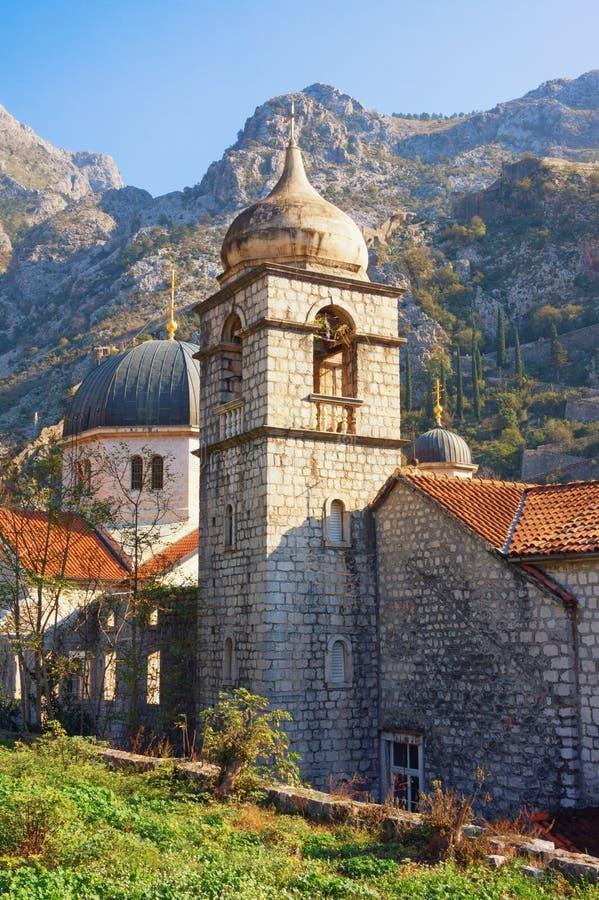 宗教建筑学 黑山,科托尔奥尔德敦  圣克莱尔教会教会圣尼古拉斯和钟楼圆顶  库存图片