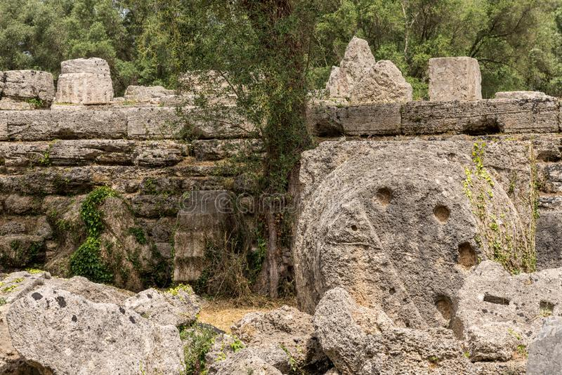 宙斯倒塌的寺庙在第一奥林匹克的站点的在奥林匹亚的在希腊 免版税库存图片