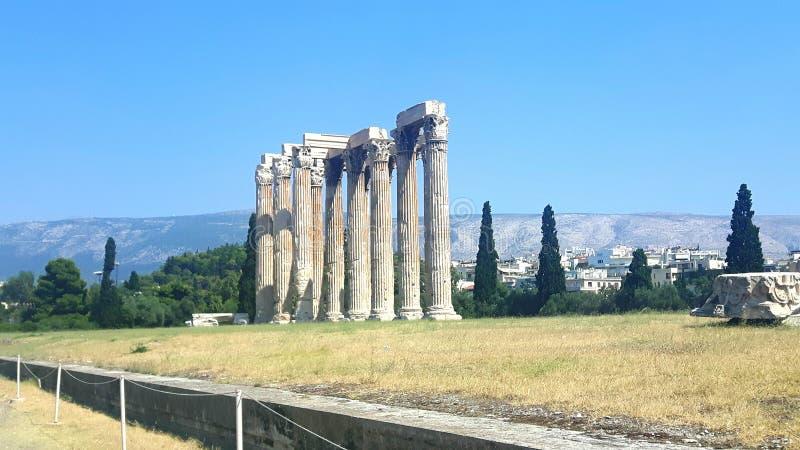 宙斯寺庙在Athen在希腊在度假 免版税库存照片