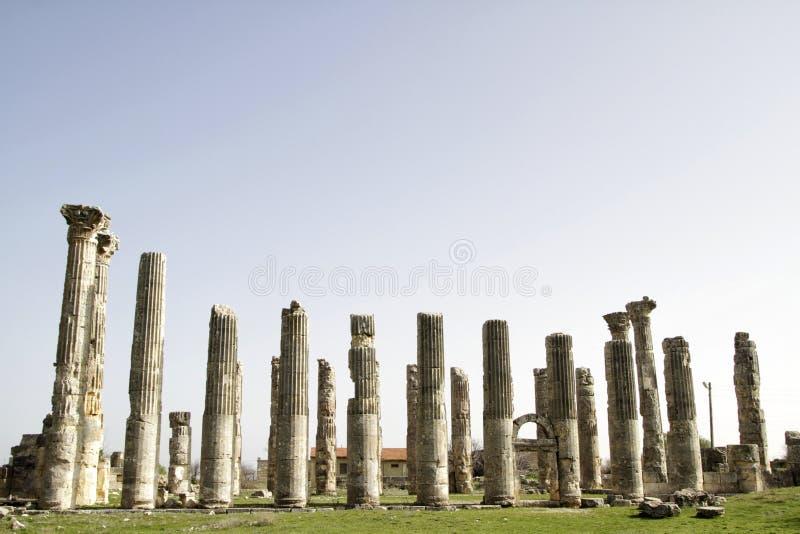 Download 宙斯寺庙,在Uzuncaburc Olba, Mersin -土耳其 库存图片 - 图片 包括有 考古学, 罗马: 30335021