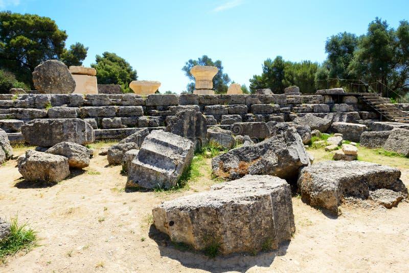 宙斯废墟寺庙在古老奥林匹亚的 库存照片