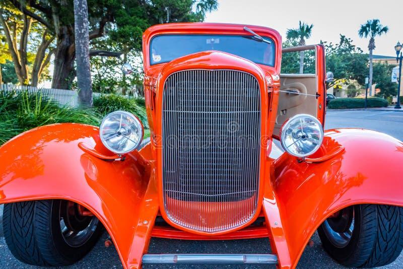 定制的1932年福特局末平分小轿车 免版税库存照片