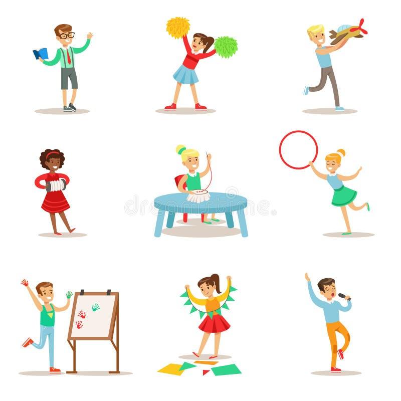 实践不同的艺术和工艺主题在艺术课和独自设置的创造性的孩子的孩子和的创造性 皇族释放例证