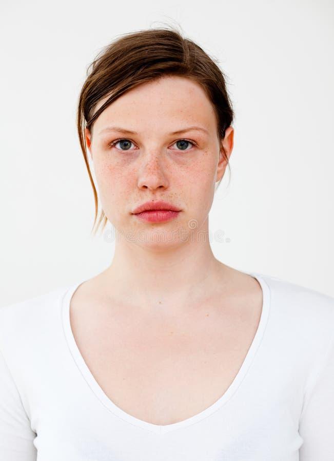 实际人纵向: 严重的新白种人妇女 免版税库存照片