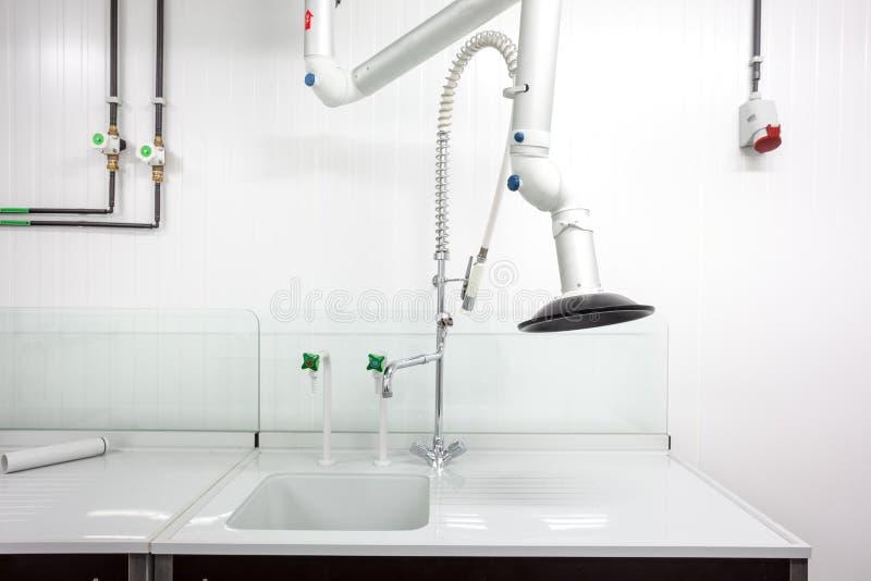 Download 实验室轻拍丝毫空气提取 库存图片. 图片 包括有 健康, 航空, 技术, 实验室, 实验, 药房, 没人 - 72366199