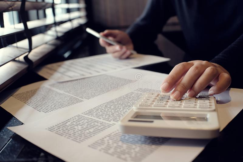 审计员或国税局职员,财政审查员m 库存照片