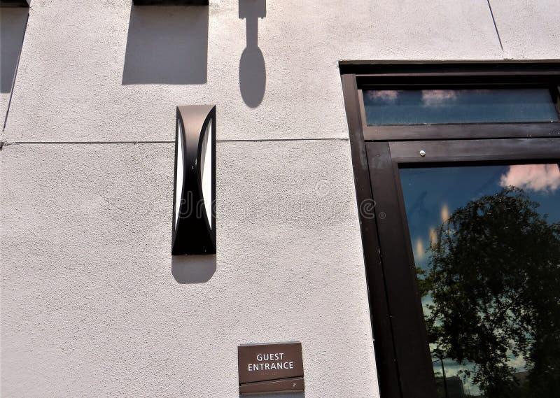 客人入口,公寓房,坦帕,佛罗里达 免版税库存照片