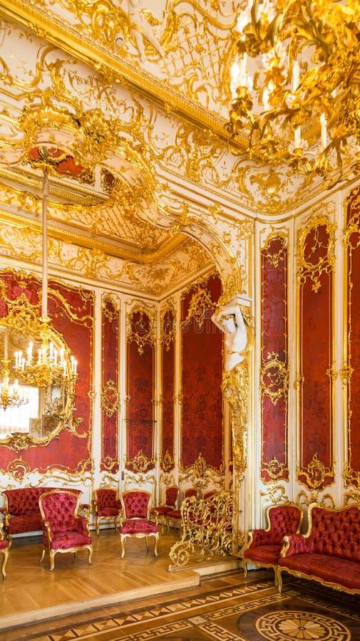 客厅豪华轻的内部  免版税库存图片