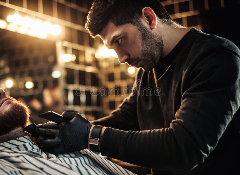 客户在理发店 免版税库存照片