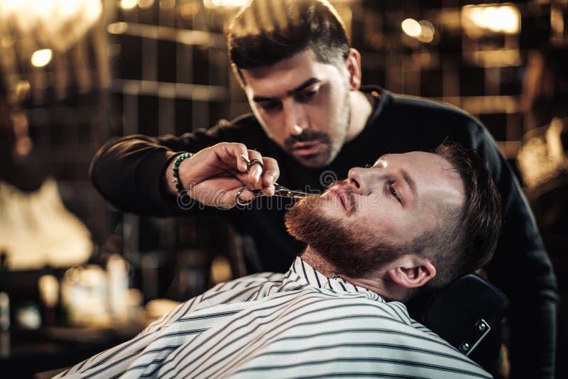 客户在理发店 库存图片