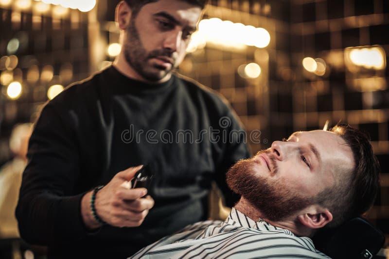 客户在理发店 免版税库存图片