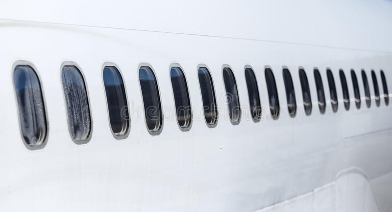 客机窗口 与透视的看法从外面 库存图片