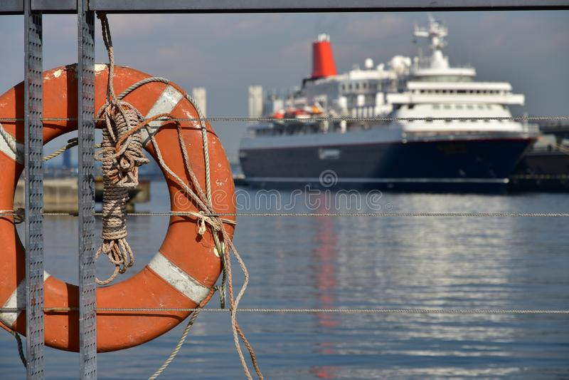 客船和救生圈的场面 库存照片