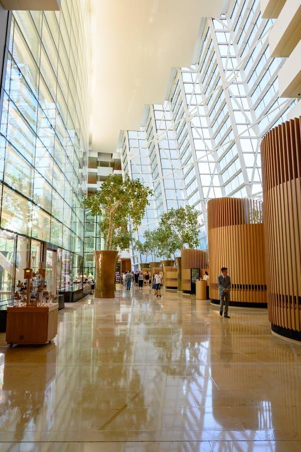 室内小游艇船坞海湾沙子旅馆,新加坡 小游艇船坞沙子豪华旅馆,新加坡,亚洲的霍尔 图库摄影