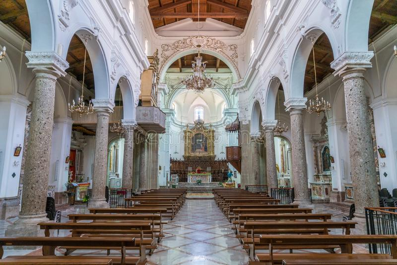 室内视域在Forza d ` Agrà ²大教堂,墨西拿省,西西里岛,南意大利里 库存照片