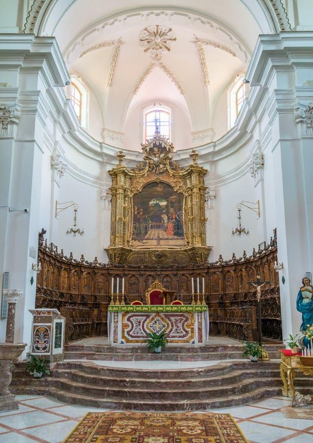 室内视域在Forza d ` Agrà ²大教堂,墨西拿省,西西里岛,南意大利里 免版税库存图片