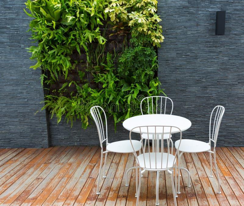 室外咖啡桌 免版税库存图片