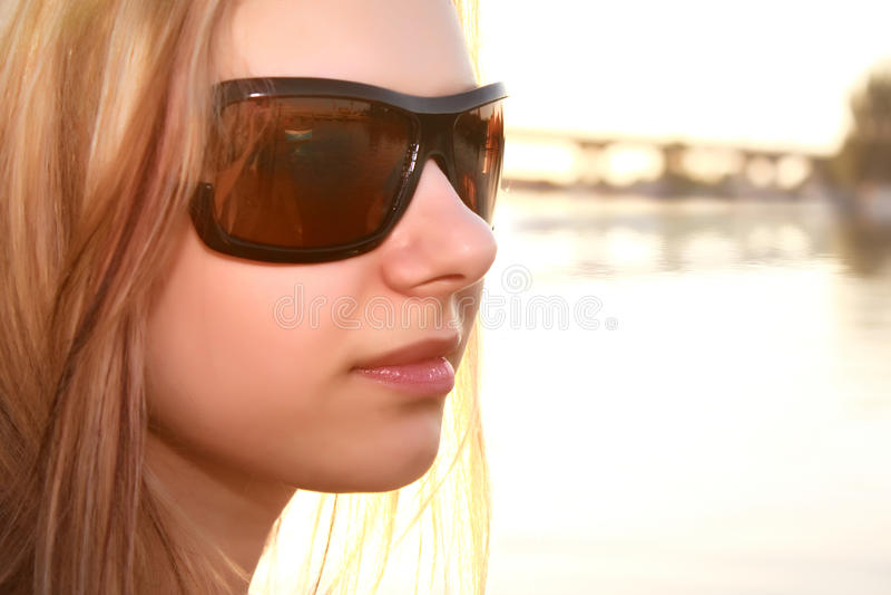 室外妇女年轻人 免版税库存图片